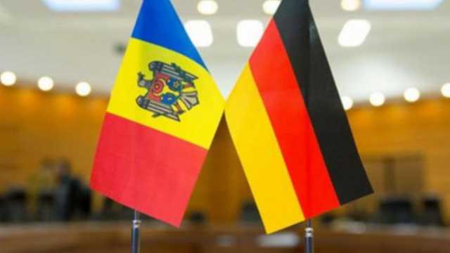 Studenții din R.Moldova interesați de politică pot aplica pentru o bursă oferită de Bundestagul German