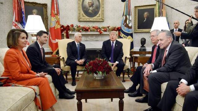 """Tensiuni la Casa Albă pe tema blocării Administrației SUA. Trump anunță """"puține semne de progres"""""""