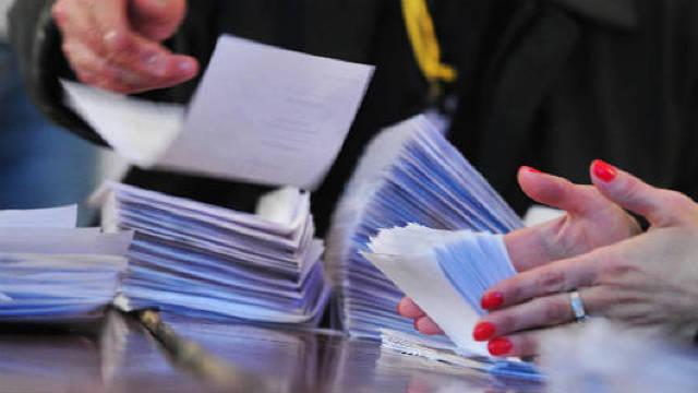 Contestație ACUM la CEC. Un candidat PD ar fi adunat 980 de semnături, în mai puțin de 24 de ore, din 17 localități