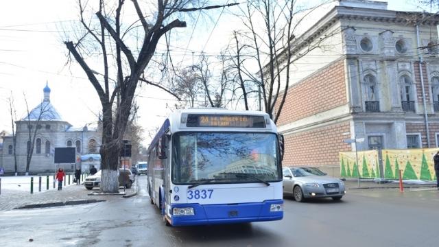 Mai multe rute de troleibuz și autobuz din Chișinău își vor modifica parțial itinerarele
