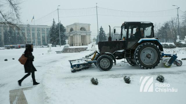 Militarii sunt pregătiți să acționeze în zonele afectate de ninsori