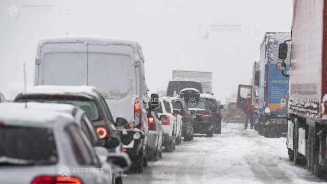 Regiuni din Europa, paralizate din cauza căderilor masive de zăpadă