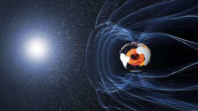 Polul magnetic al Pământului îşi schimbă poziţia mai rapid decât a fost estimat, susţin cercetătorii