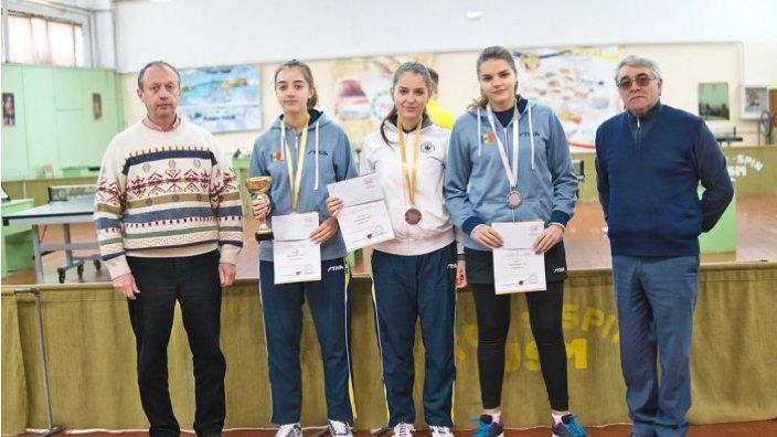 Felix Cosmolici și Vlada Caraulinaia au devenit posesori ai Cupei Moldovei la tenis de masă (juniori)