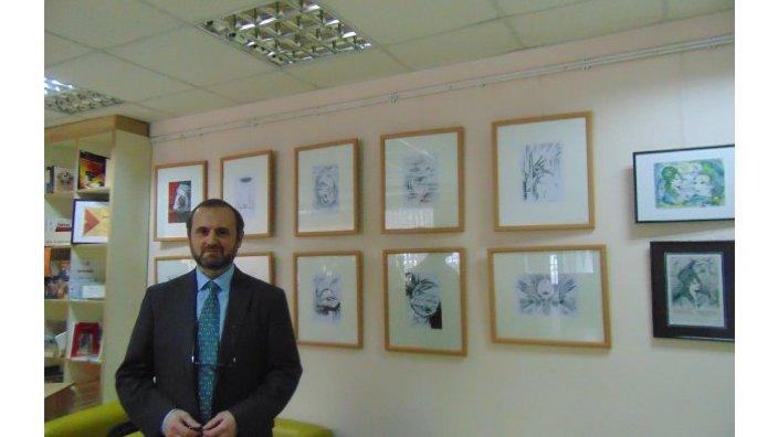 """Pictorul din diaspora, Iurie Brașoveanu, a lansat expoziția de grafică cu genericul """"Poetul și pasărea măiastră"""", dedicată poetului Mihai Eminescu"""