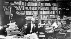 Istoria la pachet | Activitatea literară publică a lui Mircea Eliade, până la plecarea sa în străinătate