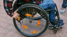 Cărucioarele persoanelor cu dizabilități vor putea fi reparate și întreținute într-un centru specializat