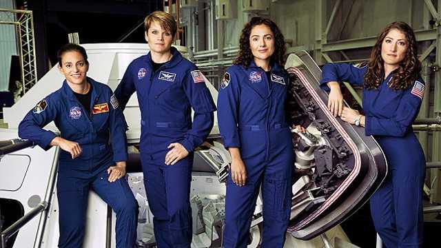 Premieră în istoria zborurilor spaţiale, două femei astronaute vor ieşi concomitent în spaţiu