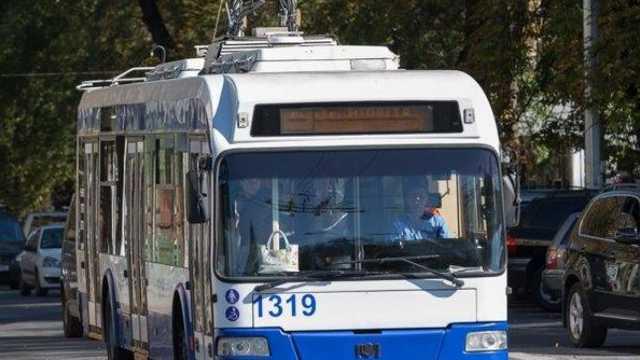 A fost lansată ruta de troleibuz care face legătura dintre orașul Ialoveni și municipiul Chișinău