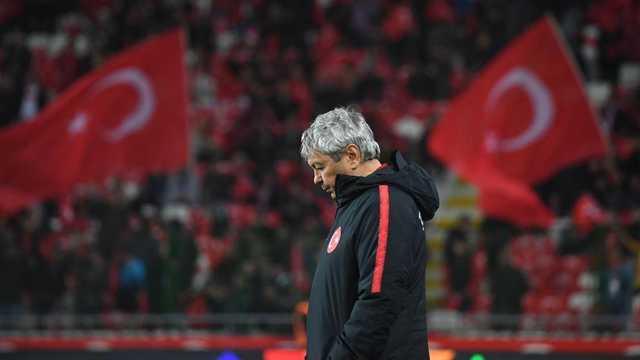 FOTBAL | Românul Mircea Lucescu, înlocuit la conducerea echipei naționale a Turciei. Cine îi va lua locul