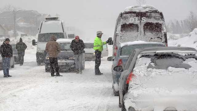 Cod galben de ninsori viscolite în 23 de judeţe din România