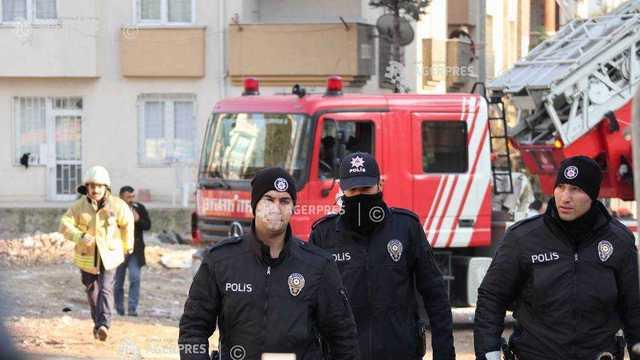 Turcia a ordonat arestarea a peste 1.000 de persoane pentru presupuse legături cu Gulen