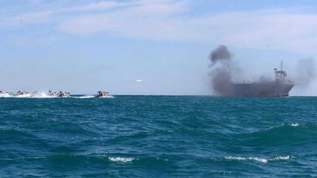 Iranul îşi testează capacitatea de a lansa rachete de pe submarin într-un amplu exerciţiu naval