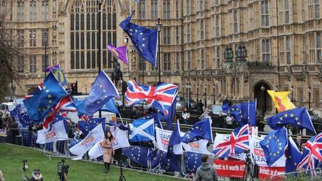 Nota de plată pentru BREXIT   Ce pagube a generat până în prezent intenția Marii Britanii de a ieși din UE