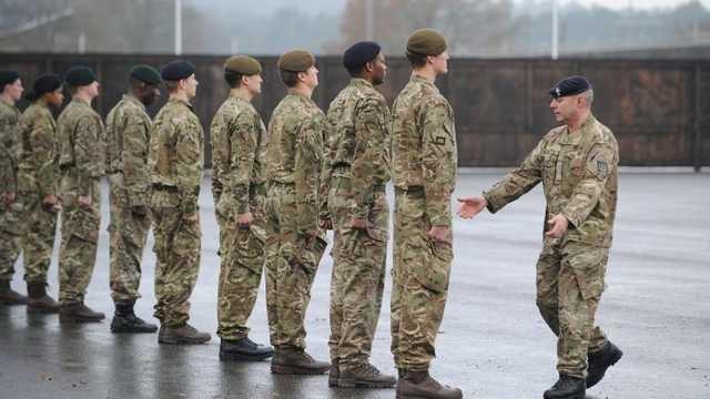 Marea Britanie | Ministrul apărării a anunţat planuri de modernizare a armatei. Rusia şi China au estompat deja graniţa dintre război şi pace