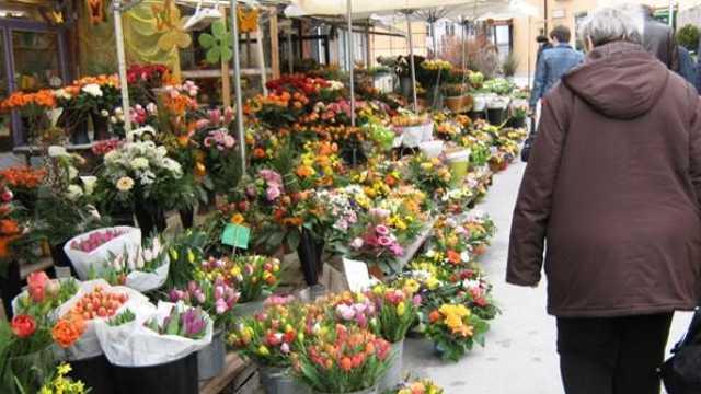 Cereți bonul de casă când cumpărați flori. Serviciul Fiscal este cu ochii pe comercianții din Chișinău