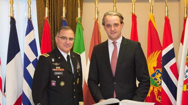 Comandantul Suprem al Forţelor Aliate din Europa, despre cum NATO va susține sectorul de apărare din R.Moldova