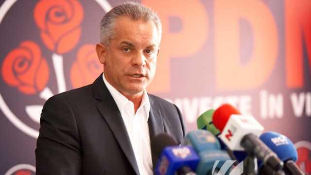 Rise Moldova | Vlad Plahotniuc a beneficiat de două pașapoarte de serviciu înainte de a deține vreo funcție în stat (Revista Presei)