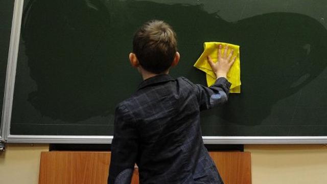 Sistemul educaţional din R.Moldova | Profesorii tot mai bătrâni, elevi tot mai puţini (Moldova.org)