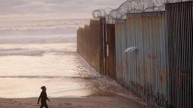 California va retrage trupele de la frontiera dintre Statele Unite și Mexic