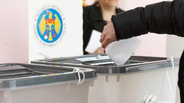 CEC | Cetățenii care nu vor dori să participe la referendumul consultativ din 24 februarie, vor avea dreptul să refuze buletinele de vot