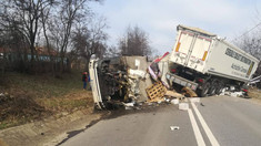 Grav accident rutier peste Prut. Circulația pe traseul Albița-Iași, blocată