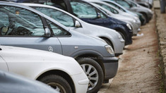 Modificările privind parcarea mașinilor pe trotuar, publicate în Monitorul Oficial. De când intră în vigoare