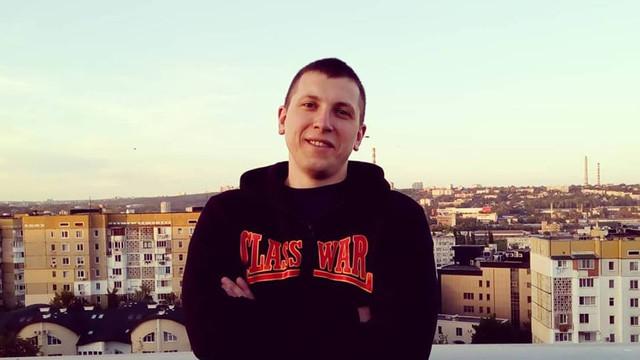 VIDEO | Activistul care l-a agresat pe deputatul Sergiu Sîrbu a fost plasat în arest pentru 30 de zile