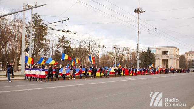 FOTO/VIDEO | Marșul Tricolorului, organizat la Chișinău cu ocazia marcării a 101 ani de la Unirea Basarabiei cu România