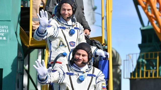 Trei astronauţi se pregătesc să plece către ISS, după lansarea ratată a capsulei Soiuz din octombrie