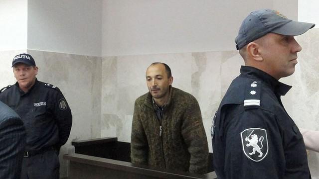 VIDEO | Gheorghe Petic a ieșit din sala de judecată și protestează în fața Curții de Apel Chișinău (ZdG)