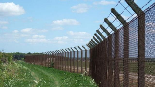 Letonia a ridicat la graniţa cu Rusia un gard din sârmă ghimpată de 93 de kilometri