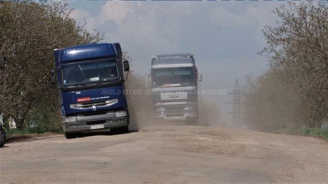 De ce nu au fost anunțate licitațiile pentru reparația drumurilor (Mold-street)