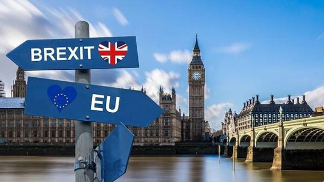 Preţul imens al campaniei Brexit: Ieşirea Marii Britanii din UE costă un MILIARD de dolari pe săptămână