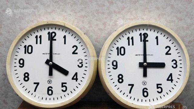 Oamenii simt diferit trecerea la ora de iarnă, conform unor experți