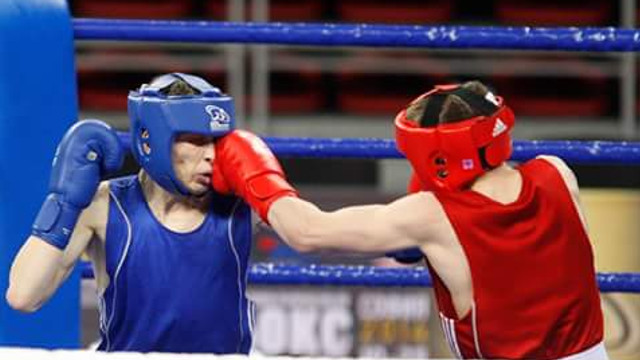 Boxerii moldoveni luptă în Rusia. Alexandru Paraschiv a obținut o victorie împotriva ungurilor