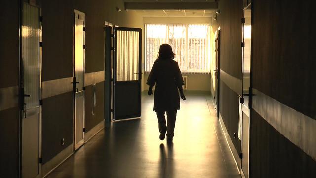 În spitalele de psihiatrie din țară pacienții care au comis crime stau sub lăcată în aceeași secție cu ceilalți
