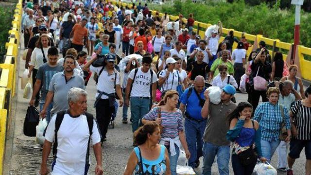 """""""Coridor umanitar'' deschis provizoriu pentru 5.000 de venezueleni care au trecut luni în Columbia"""