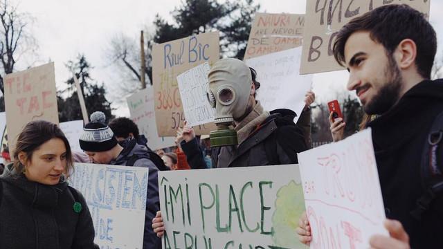 VIDEO | Protest la Guvern pentru a cere măsuri de protecție a mediului
