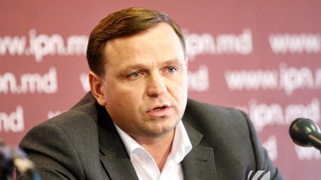 Cum comentează Andrei Năstase faptul că deputatul PD, Sergiu Sârbu, a fost lovit de Pavel Grigorciuc