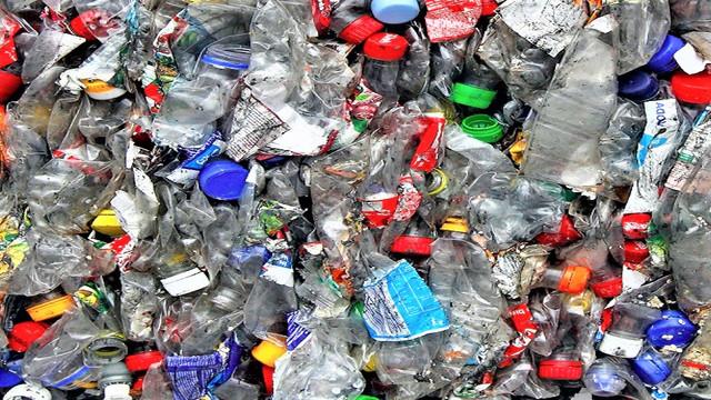 Rezoluţie în cadrul Adunării ONU pentru Mediu privind eliminarea plasticului de unică folosinţă