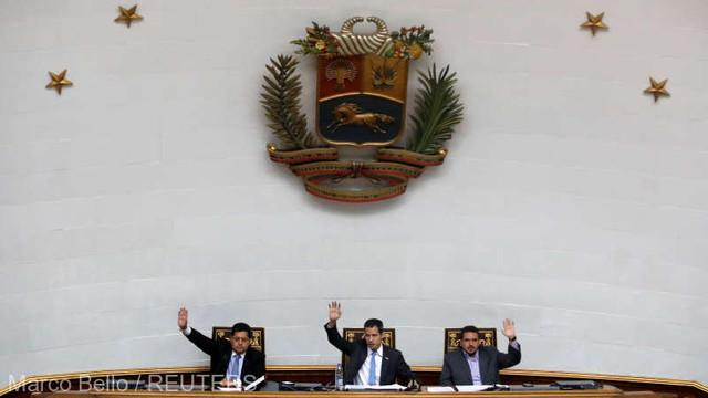 Parlamentul de la Caracas a decretat starea de alertă şi a suspendat livrările de petrol către Cuba