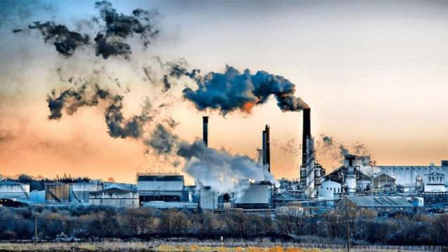 STUDIU | Poluarea atmosferică ucide mai mulţi oameni decât fumatul