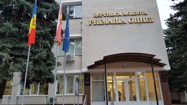 Primăria Orhei a fost obligată irevocabil de CSJ să prezinte unui post de radio informații de interes public