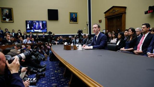 Facebook s-a adresat liderilor politici ai lumii după ajutor pentru reglementarea conţinutului pe internet