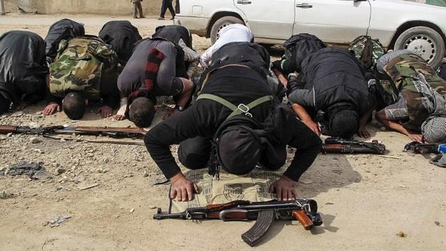 Atac sinucigaş cu bombă în apropierea aeroportului din oraşul afgan Jalalabad