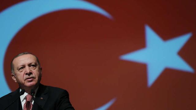 Doi jurnalişti Bloomberg, puşi sub acuzare în Turcia după ce au publicat mai multe articole despre economia ţării