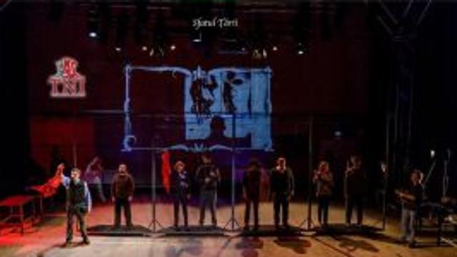 """La Teatrul Național se joacă spectacolul """"Sfatul Țării"""" – inspirat din evenimentele istorice de acum 100 de ani"""