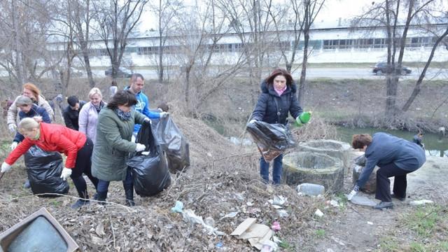 Acțiunea de salubrizare a tuturor parcurilor din Chișinău, amânătă