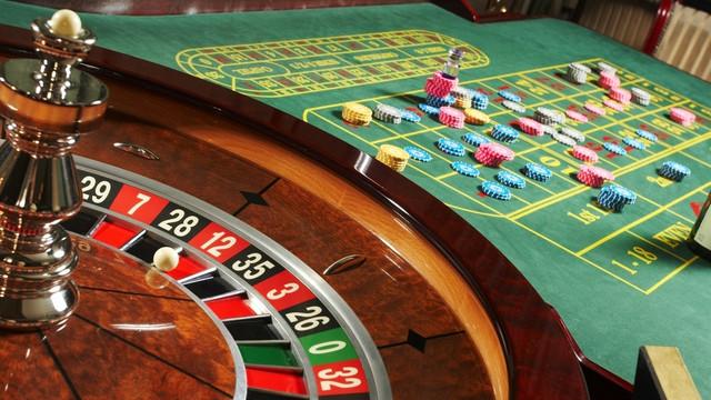 Jocurile de noroc, la cel puțin 200 de metri de instituțiile de învățământ
